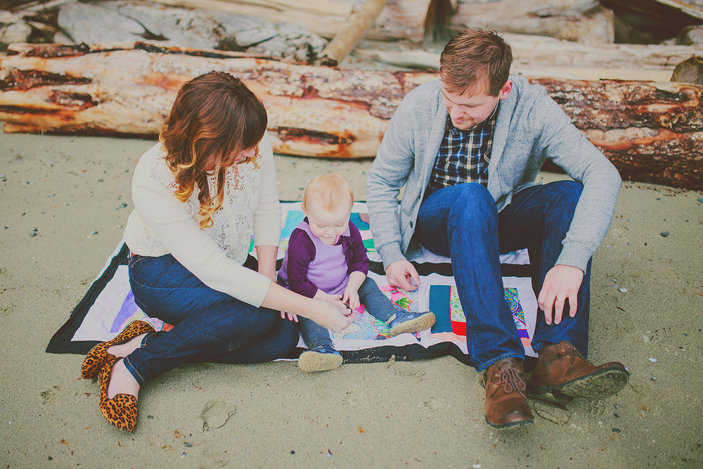 creative family portrait session - sunshine coast bc portrait photographer - jennifer picard photography ( blog ) 13 2.jpg