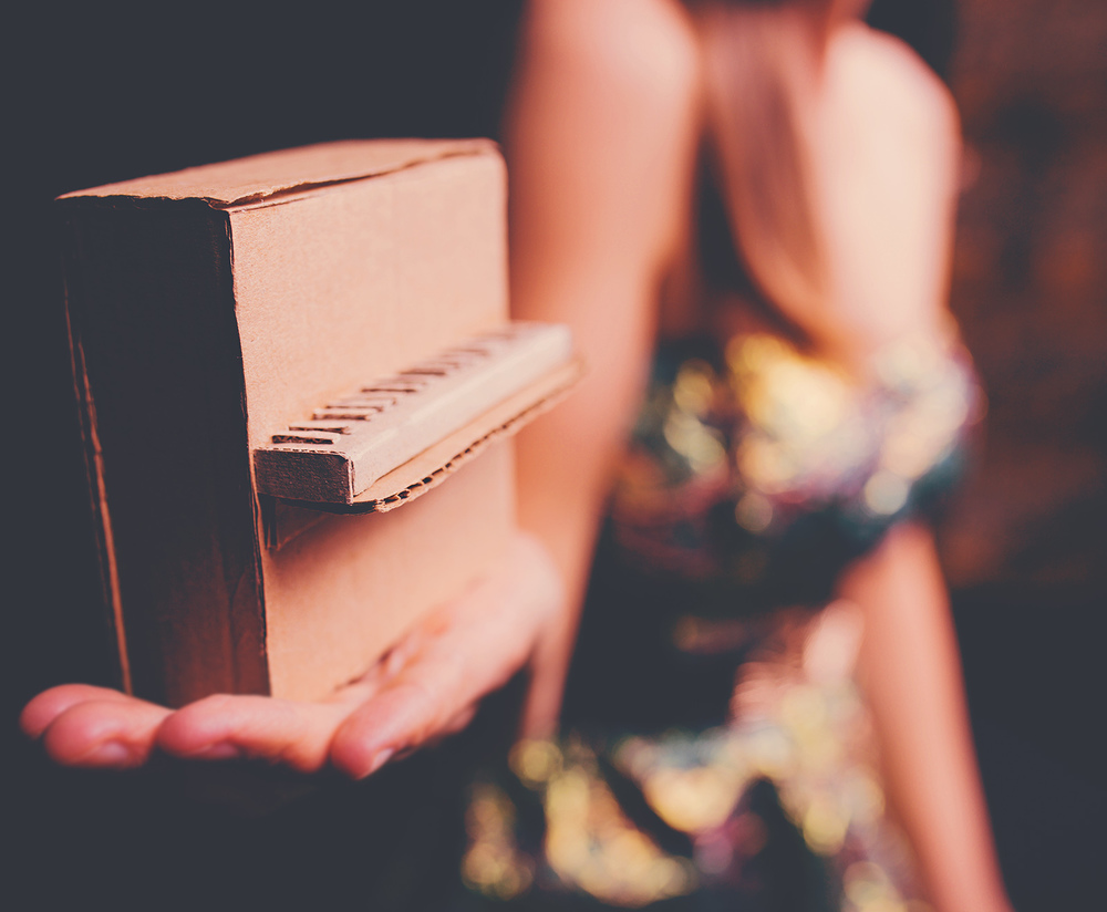 hilary grist vancouver musician creative portrait photography jennifer picard photography - mini piano