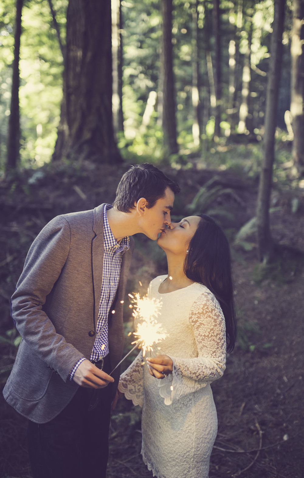 sunshine coast bc engagement photography session jennifer picard photography sparklers