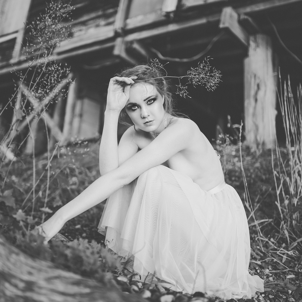 black and white portrait, fashion editorial, jennifer picard photography, vancouver fashion photographer
