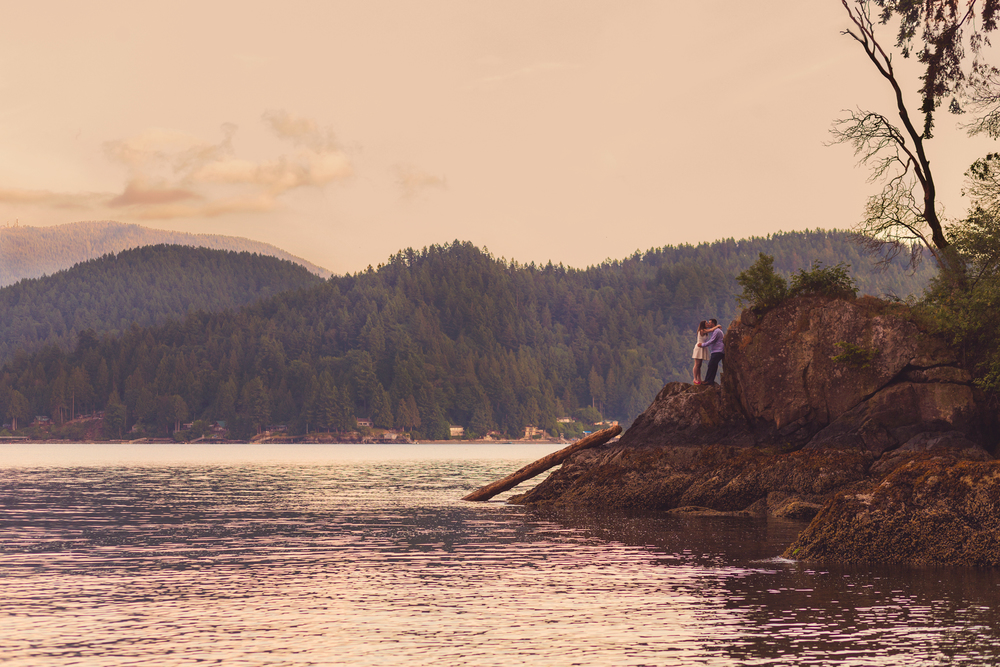 sunshine coast sunset engagement photo, jennifer picard photography, vancouver wedding photographer
