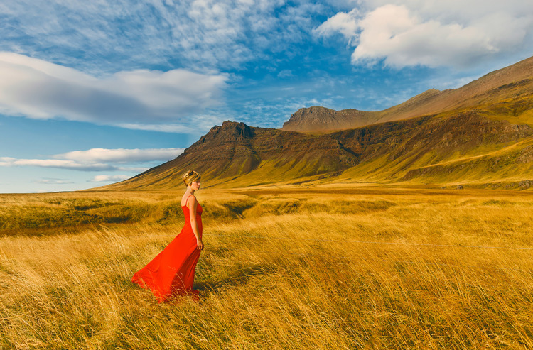 iceland,+travel+photography,+jennifer+picard+photography,+icelandic+horsesiceland,+travel+photography,+jennifer+picard+photography,+red+dress+project-1.jpeg