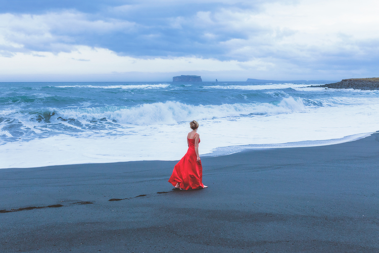 iceland,+travel+photography,+jennifer+picard+photography,+icelandic+horsesiceland,+travel+photography,+jennifer+picard+photography,+red+dress+project.jpeg