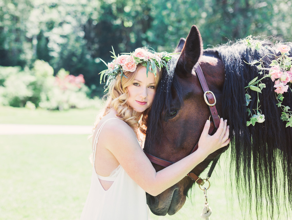 bridal horse editorial, vancouver wedding photographer, sunshine coast wedding photographer
