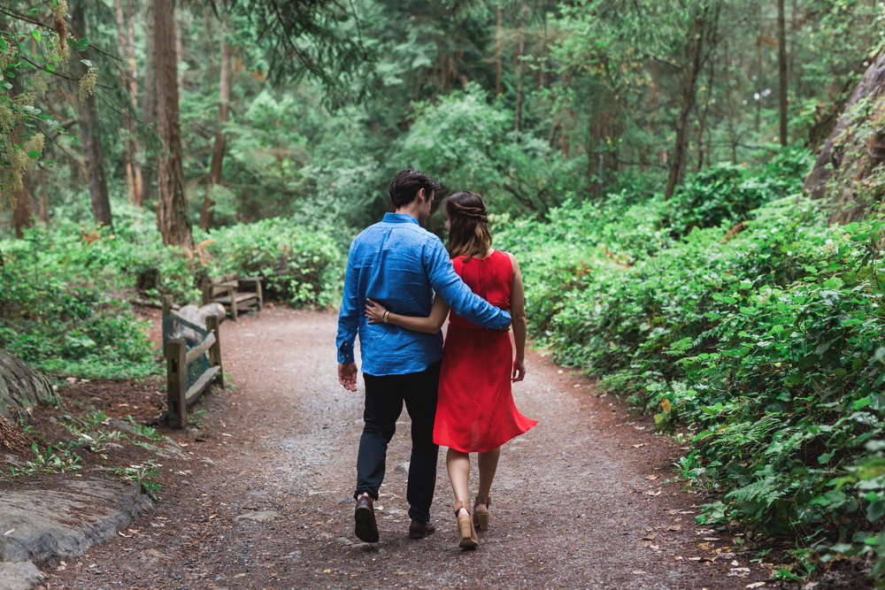 IMG_9496 LIGHTHOUSE PARK ENGAGEMENT PHOTOS VANCOUVER WEDDING PHOTOGRAPHER JENNIFER PICARD PHOTOGRAPHY.jpg