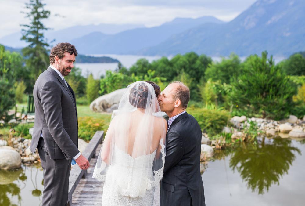 SunshineCoast-BC-Wedding-Photographer030.jpg