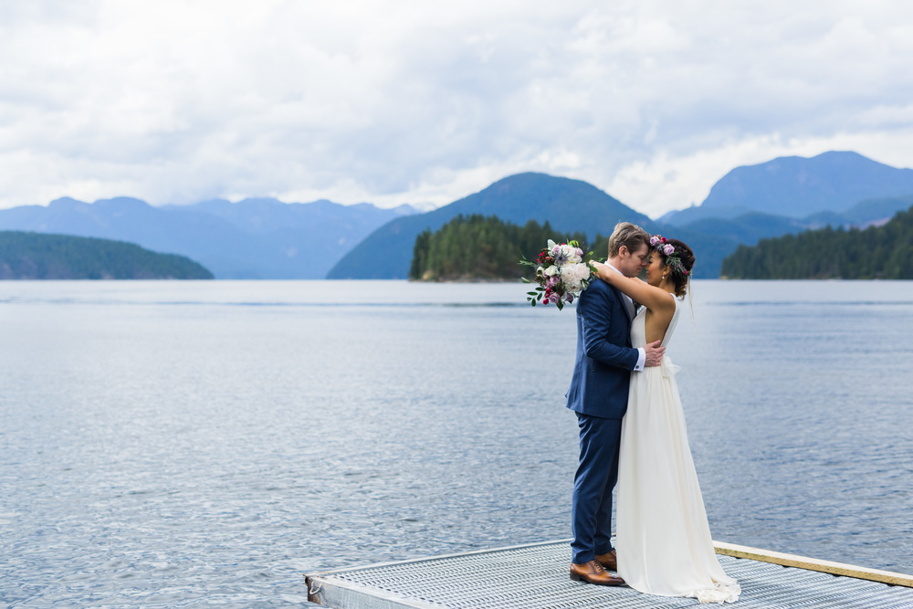 sunshine coast bc wedding photographer, west coast wilderness lodge wedding, jennifer picard photography, vancouver wedding photographer