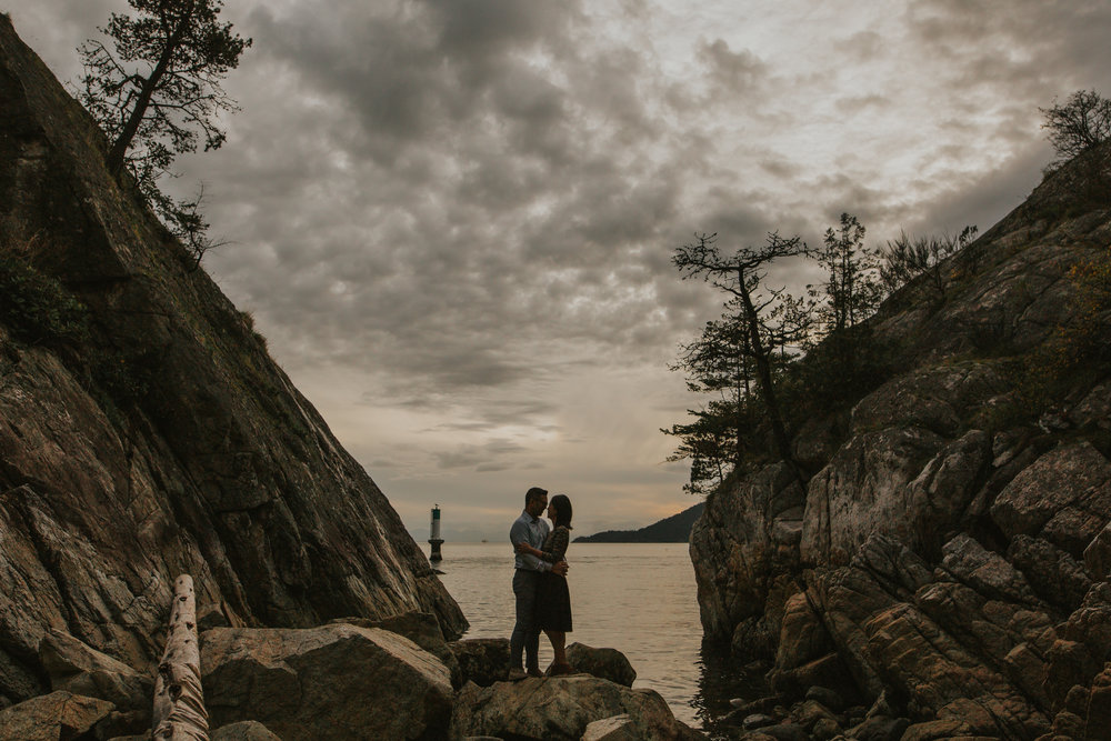 vancouver wedding photographer, vancouver engagement photographer, whytecliff park engagement photos, jennifer picard photography