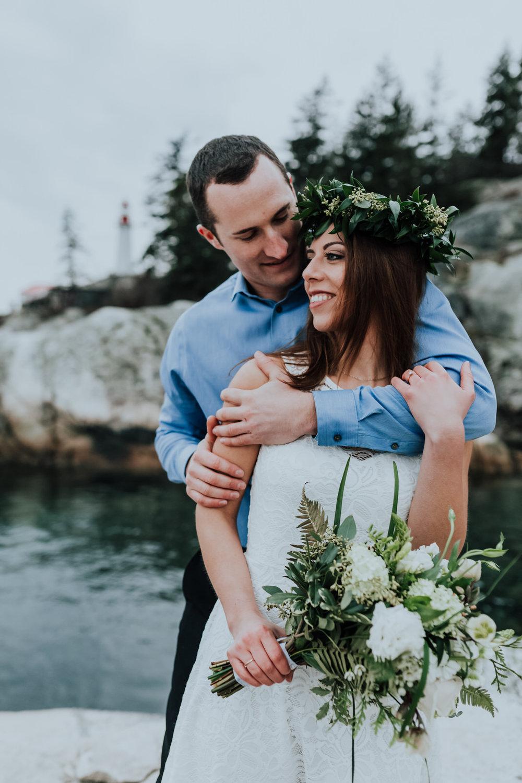 VANCOUVER WEDDING PHOTOGRAPHER - JENNIFER PICARD - LIGHTHOUSE PARK ENGAGEMENT PHOTOS