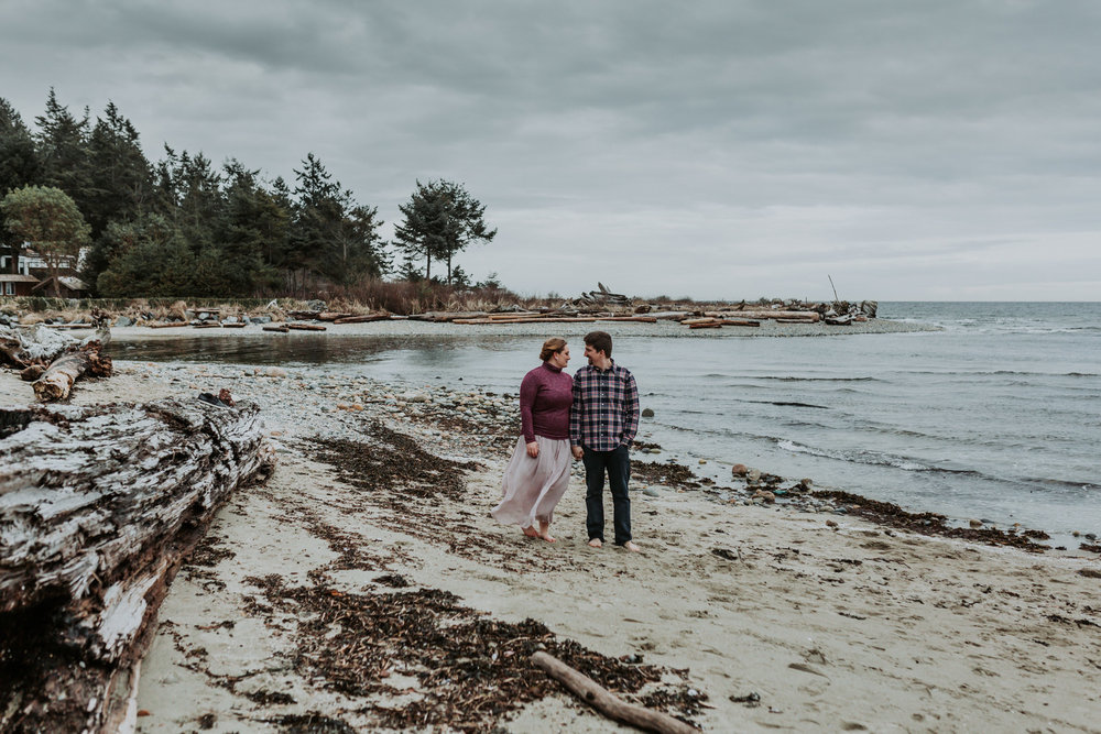 SUNSHINE COAST BC VANCOUVER WEDDING PHOTOGRAPHER, SUNSHINE COAST BC ENGAGEMENT PHOTOS, JENNIFER PICARD PHOTOGRAPHY