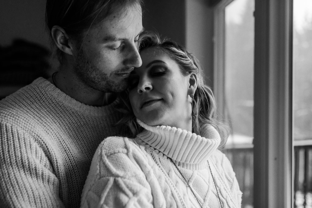 Home Engagement Session Photos - Squamish Wedding Photographer - Squamish Engagement Photos -  Vancouver Wedding Photographer & Videographer - Sunshine Coast Wedding Photos - Sunshine Coast Wedding Photographer - Jennifer Picard Photography - 1A5A1513.jpg