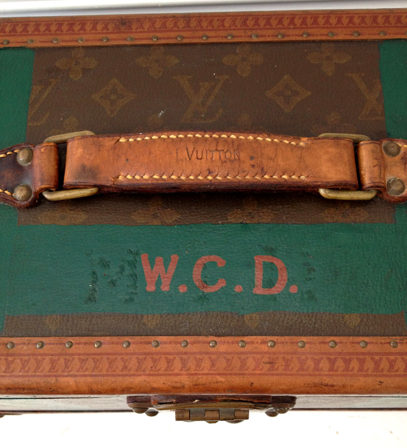 LouisVuitton_Monogrammed_Case