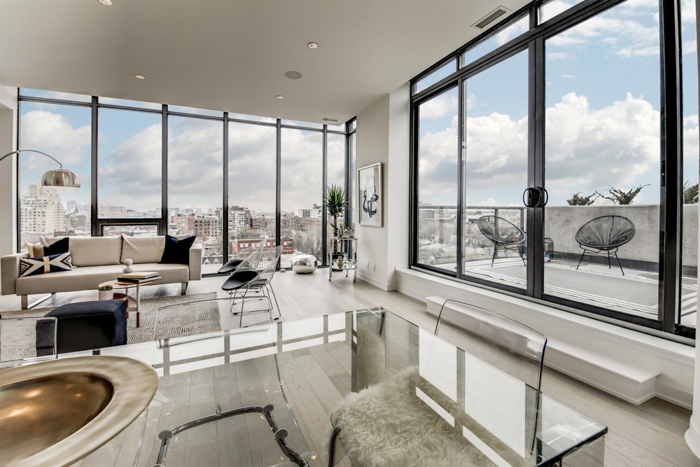 Beautiful floor to ceiling windows at the 12 Degrees penthouse we staged. The view is such an important feature of this space. The extra steps taken to clean the windows helped show it off to it's full potential.