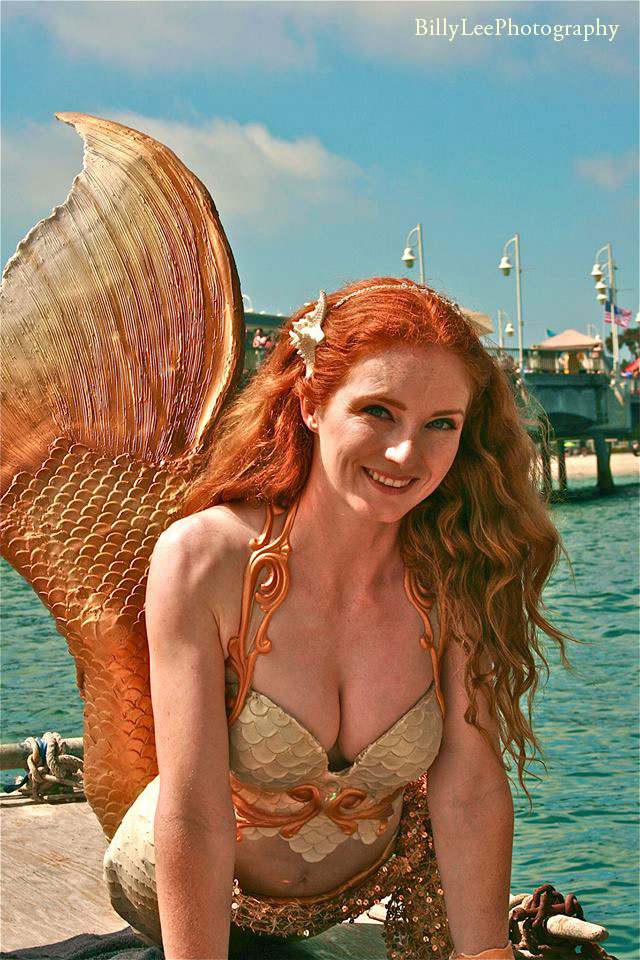 Virginia-Mermaid-Pop-Up-on-Dock-at-Pier-Billy-Lee_CREDITS.jpg