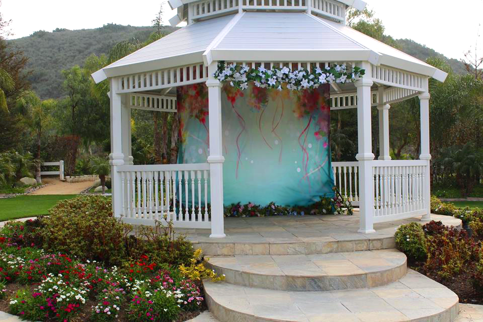 Out Easter backdrop with ground garland on site at Moorpark Country Club's outdoor garden