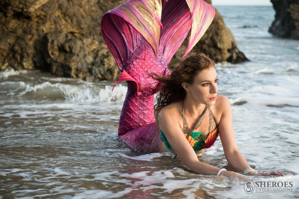 Los Angeles Pink Real Mermaid Actress for Swimming Pool Party