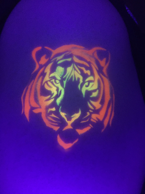 Blacklight Airbrush - Tiger.jpg