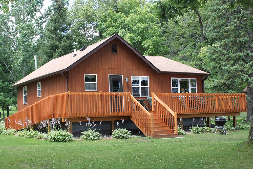 Cabin 1 Ext 2015.jpg