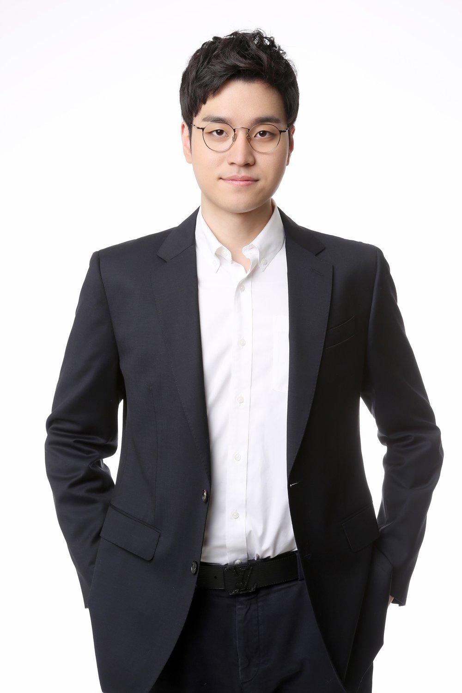 Tae Young Woo_profile.jpg