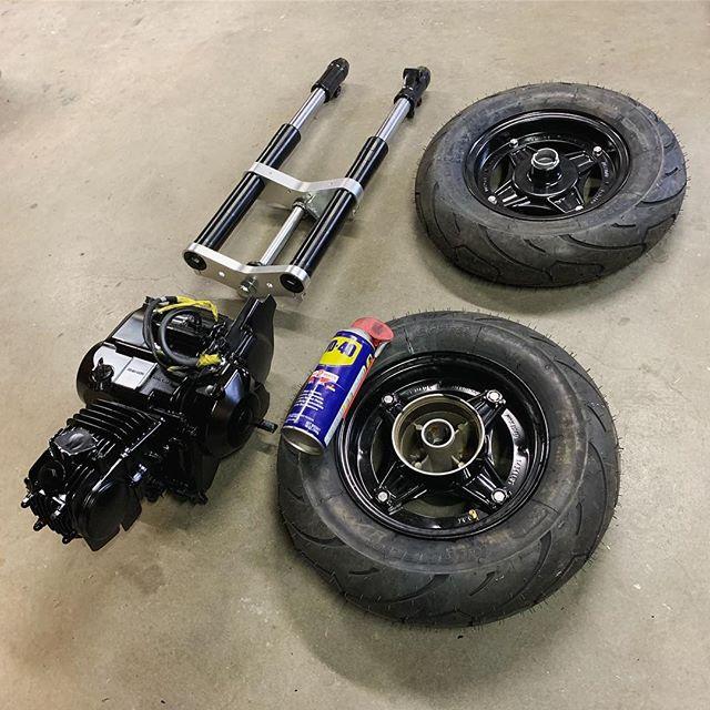 smol engine, smol wheels, smol forks. i'mma big boi that likes to ride smol things 💁🏻♂️ WDfordy can for reference