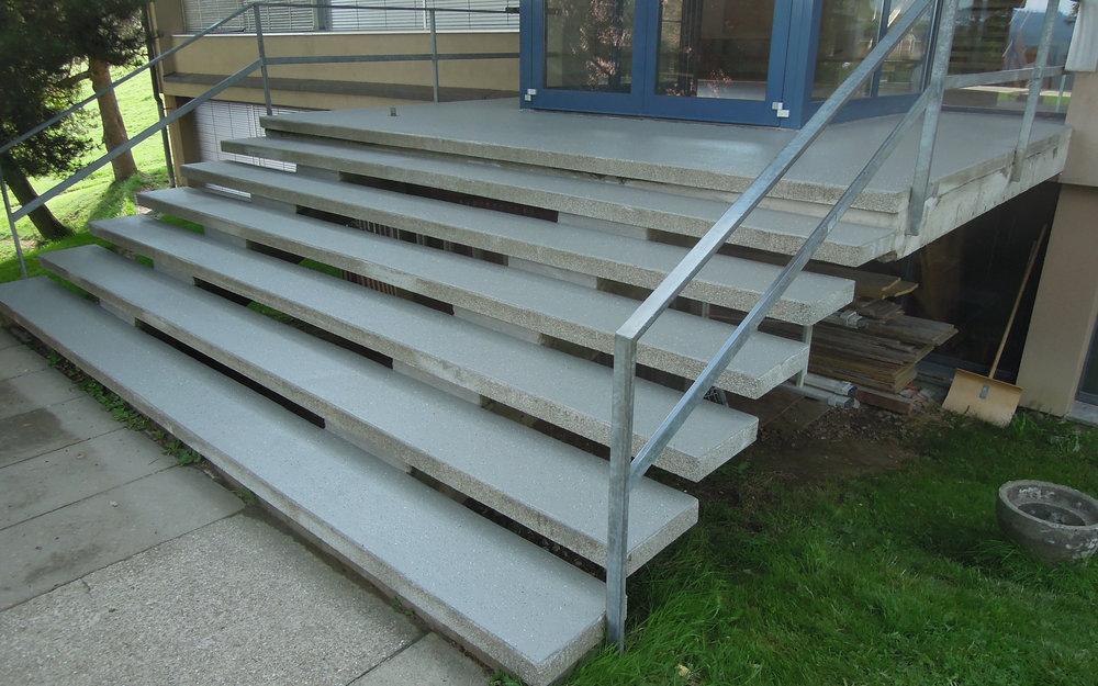 Treppensanierung mit Flüssigkunststoff
