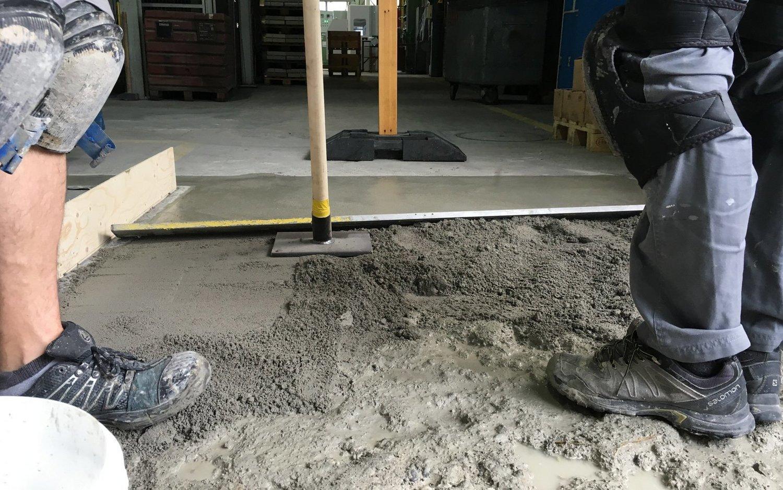 Betonboden Reinigen industriebodensanierung beton