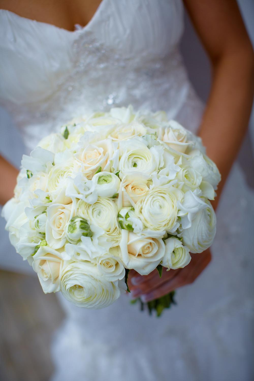 Fresh Flower Bridal Bouquets Online : Lovely bridal blooms