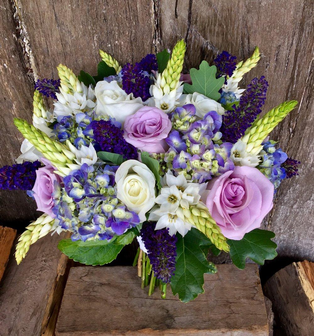 hydrangea budlea chins roses bride.JPG