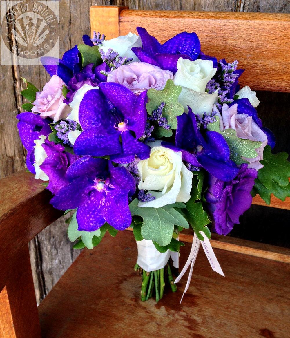orchids roses lissi Natasha bride (bb).jpg