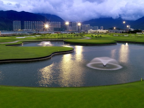 Skycity Nine Eagles 9-hole golf course offers club rental and luggage storage while you play.