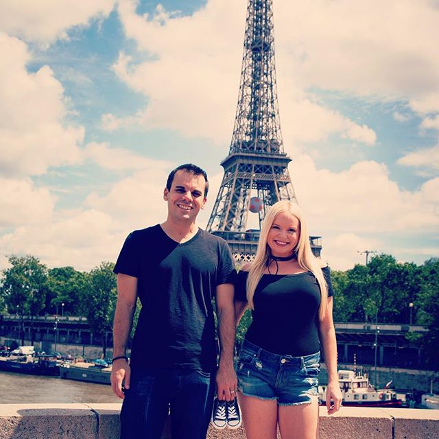 The best part of 2016 was the news of our sweet baby boy on the way in 2017! So ready for this new adventure of a lifetime 🎉 #Paris #babyannouncement #tiffanypaultravel #newadventures
