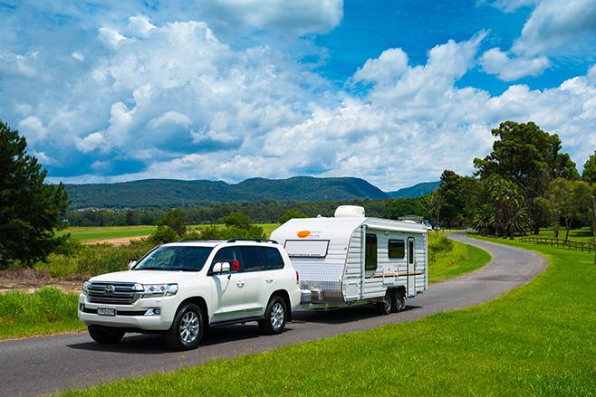 toyota-kluger-towing-caravan.jpg