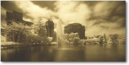 The Palace of Fine Arts in San Francisco. Canon 1DsMkII with IR filter.