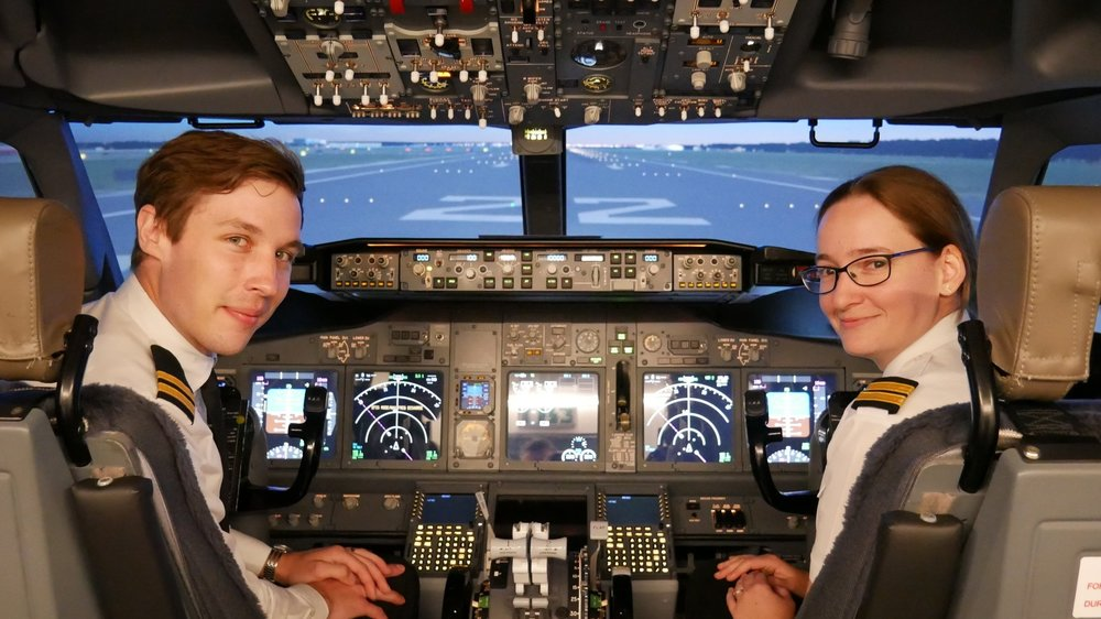 APS MCC Class 1811 Graduates Dayne (left) and Lauren (right) who now fly for Jet2 and Flybe respectively.
