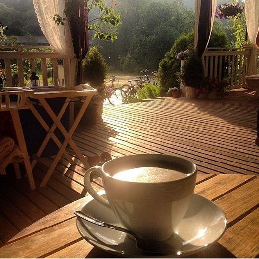 Вечер с чашечкой кофе на веранде ресторана. Foto by Антон, вилла МАКИ