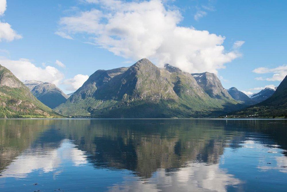 Lake Oppstryn