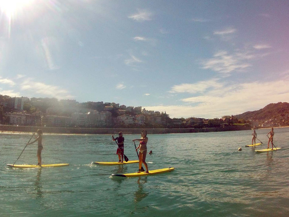 "Private Stand-Up Paddleboard or Kayak   Tours  along ""La Concha Bay"" Best way to know the bay and the island of San Sebastian   1 session  1h 45' --30€/person + bike rent 5€ (optional)"