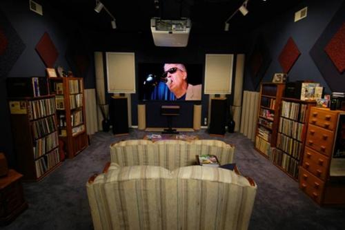 Lounge at groove tunes studio.jpg