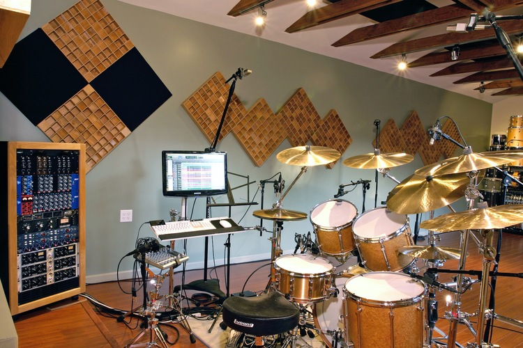 RECORDING STUDIO SOUND STAGE.JPG