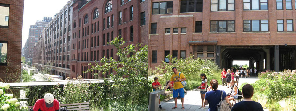 High Line entering Chelsea Market at 16th St., ClosedLoops, 2011