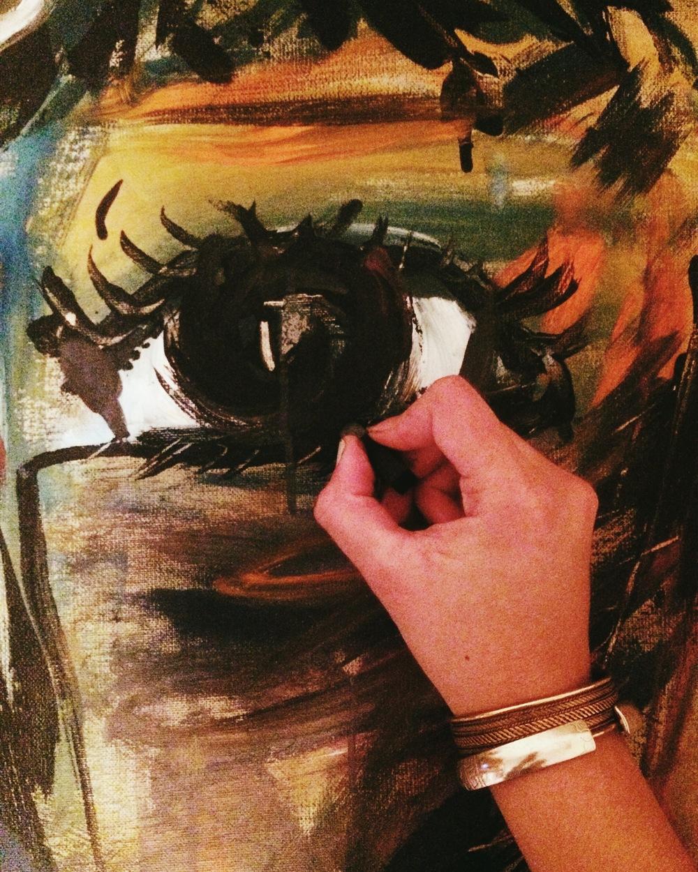 Adding Charcoal weeks after the worship night | Agregando carboncillo semanas despues de haber pintado en la iglesia.