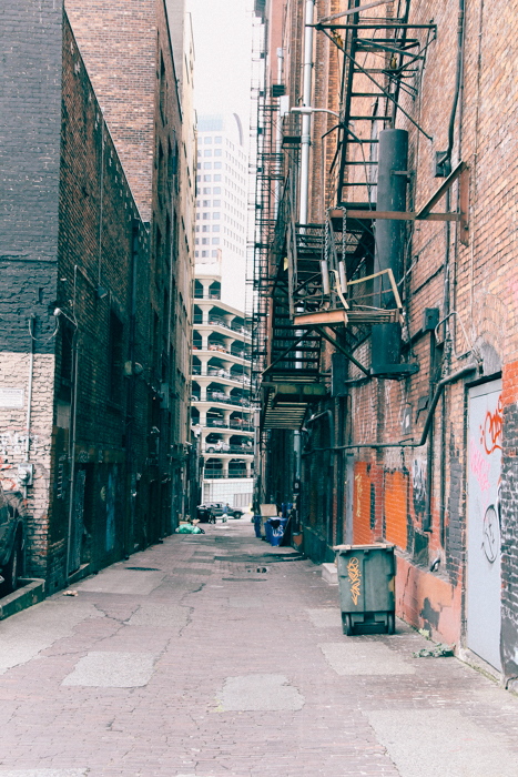 The thing about rusty alleys & graffiti (Seattle, Washington)