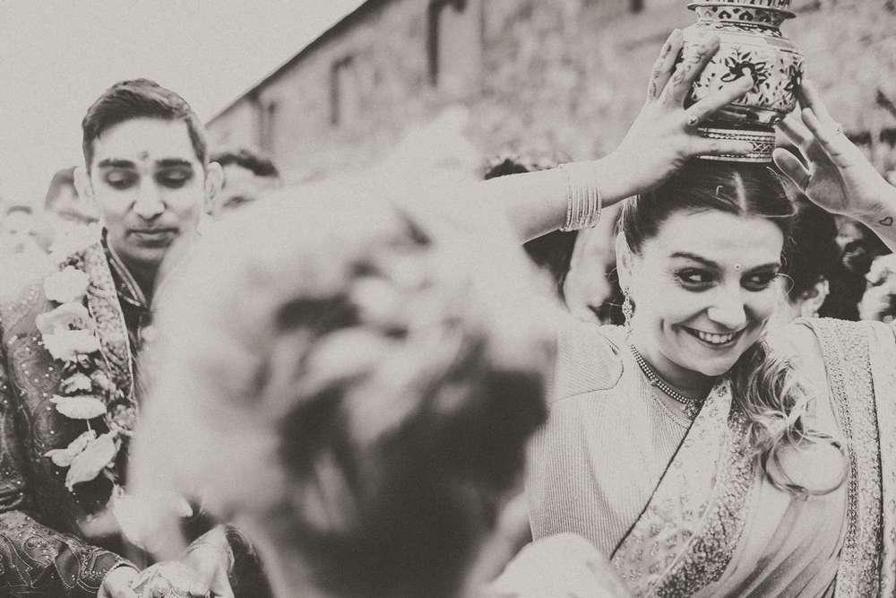 Hindu-Wedding-Photography-Paul-Liddement-Wedding-Stories-23.jpg