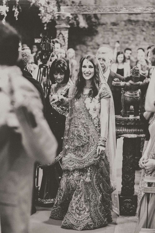 Hindu-Wedding-Photography-Paul-Liddement-Wedding-Stories-27.jpg