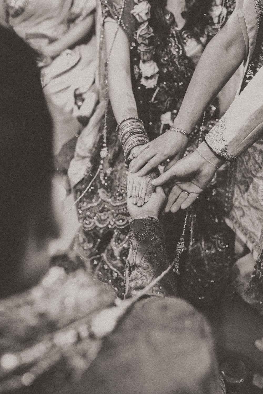 Hindu-Wedding-Photography-Paul-Liddement-Wedding-Stories-30.jpg
