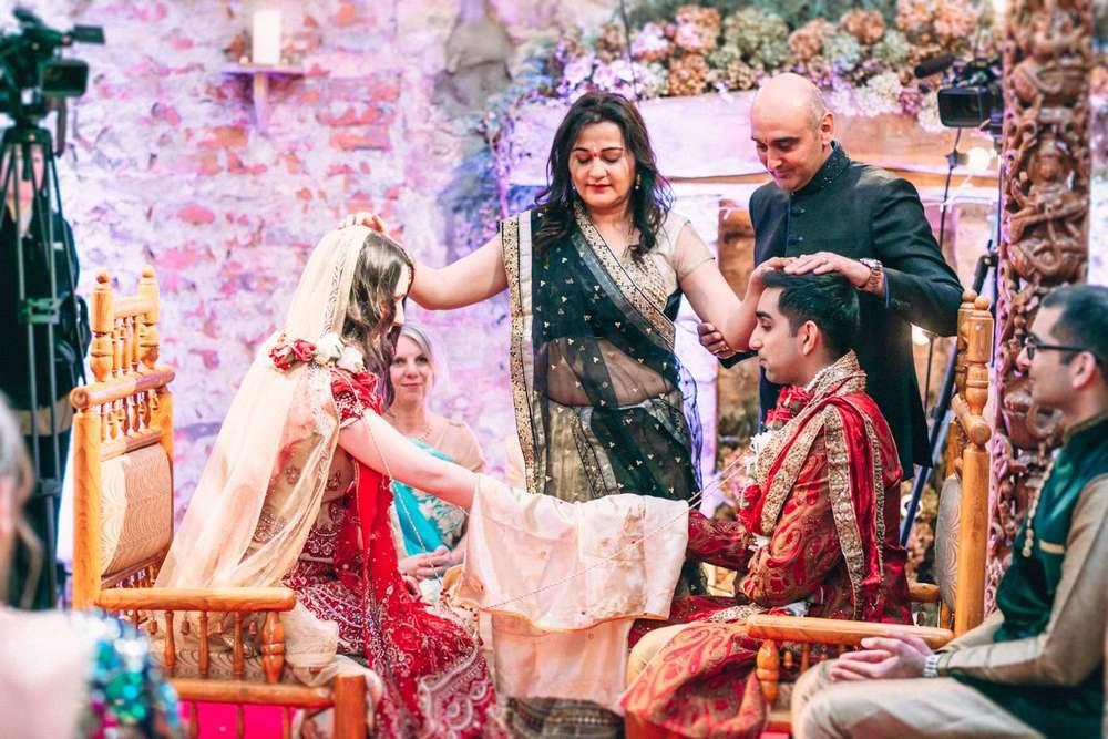 Hindu-Wedding-Photography-Paul-Liddement-Wedding-Stories-31.jpg