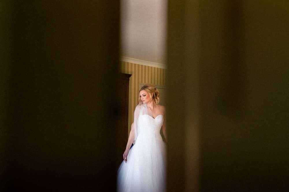 Stylish-Wedding-Photographer-Paul-Liddement-Wedding-Stories-9.jpg