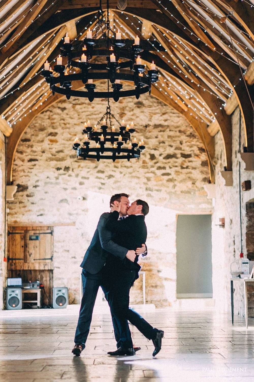 Healey-Barn-Wedding-Photographer-10.jpg