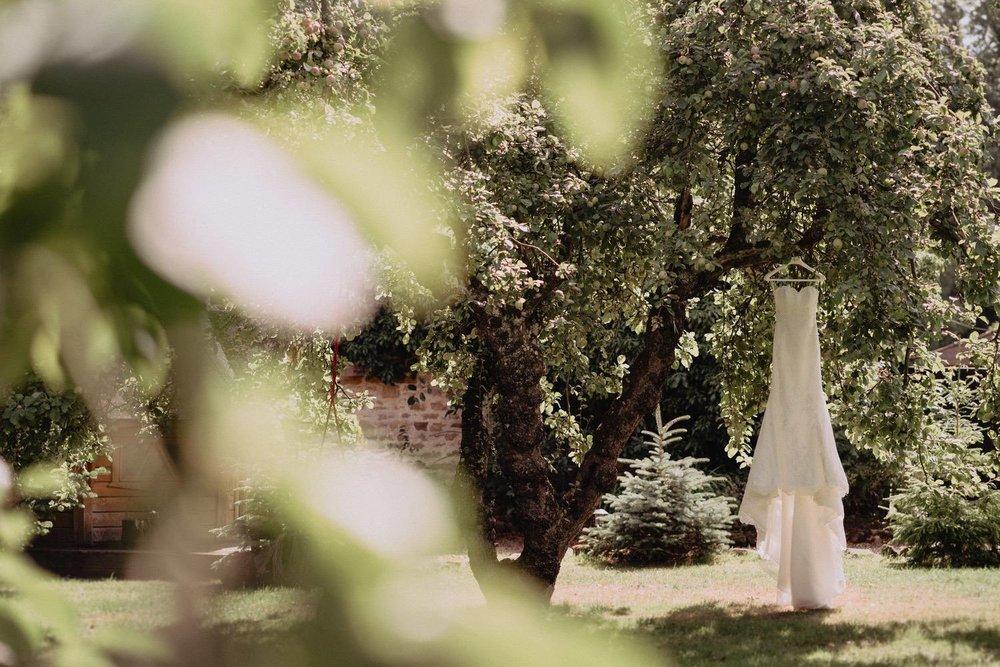 Wedding-Photographer-Healey-Barn-1.jpg
