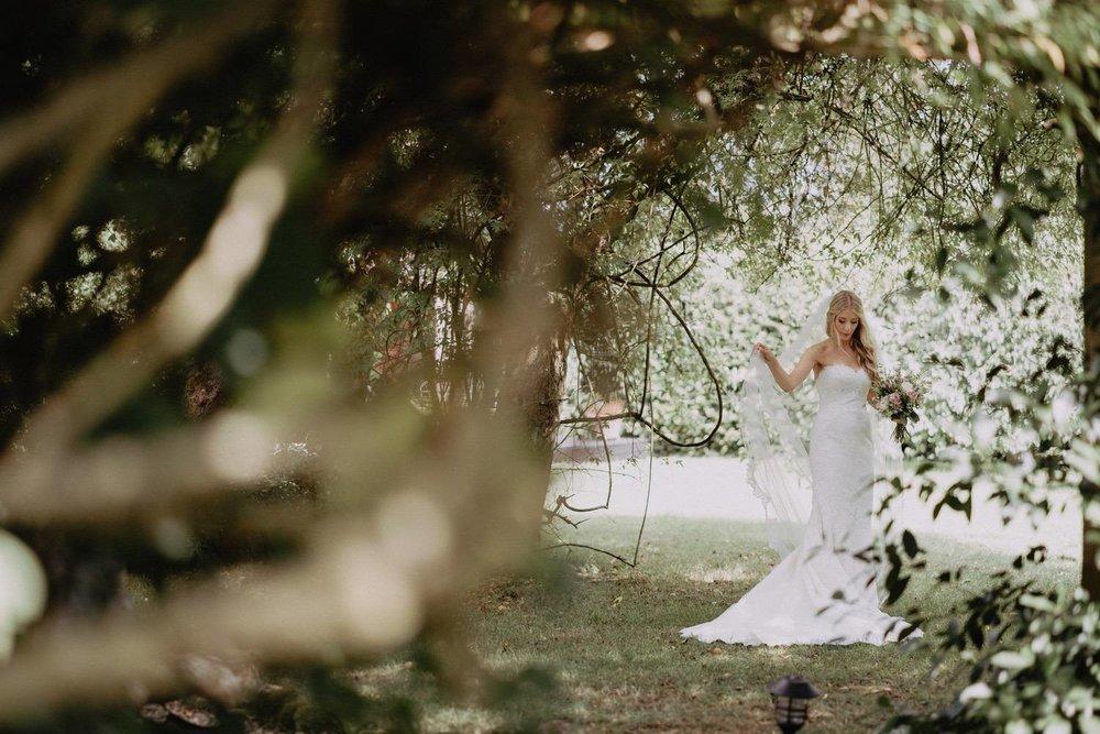 Wedding-Photographer-Healey-Barn-11.jpg